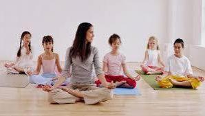 Ученые: занятия по йоге должны стать частью школьной программы