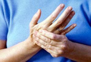 Врачи объяснили, почему немеют руки
